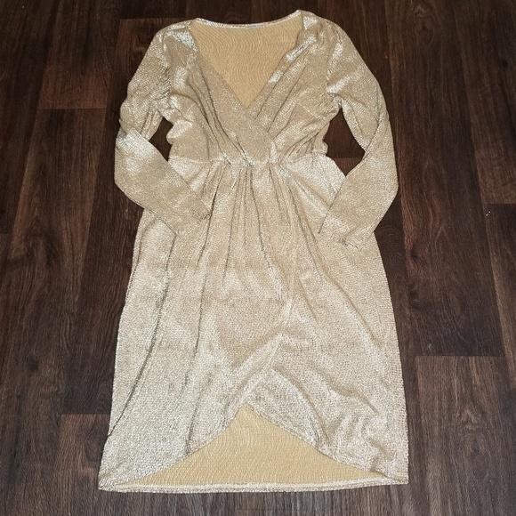 Charlotte Russe Dresses & Skirts - Charlotte Russe Gold Shimmer Dress
